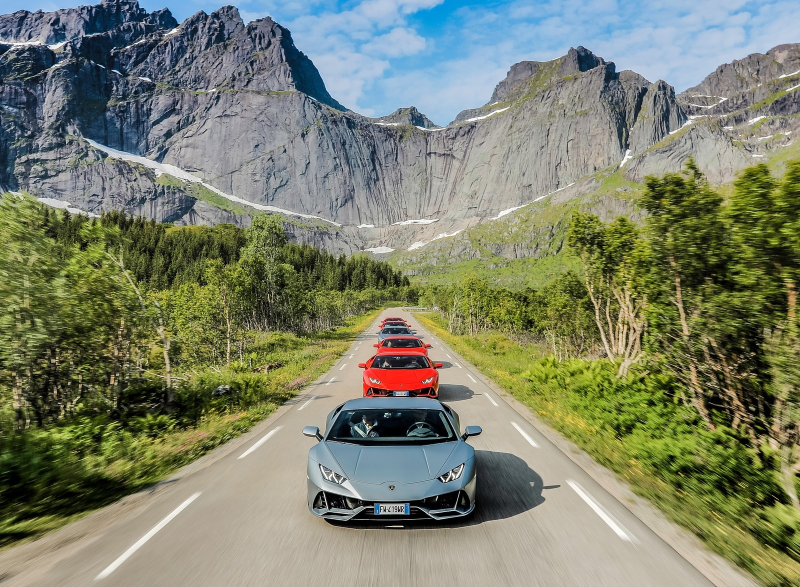 2019 Lamborghini Huracán EVO Front Wallpapers (7)