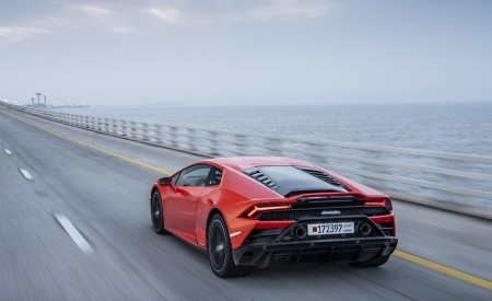 2019 Lamborghini Huracán EVO Rear Three-Quarter Wallpapers 450x275 (45)
