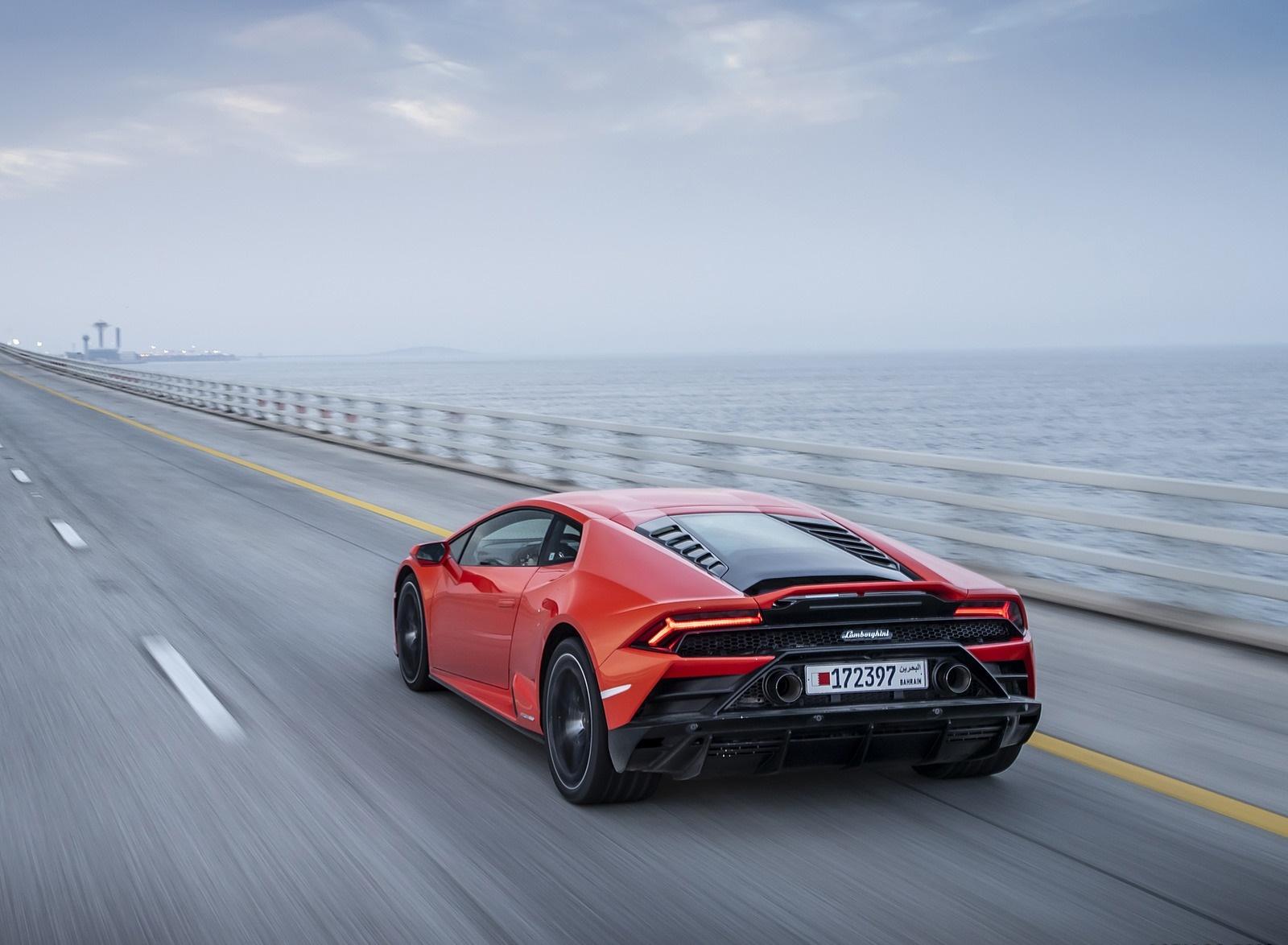 2019 Lamborghini Huracán EVO Rear Three-Quarter Wallpapers (13)