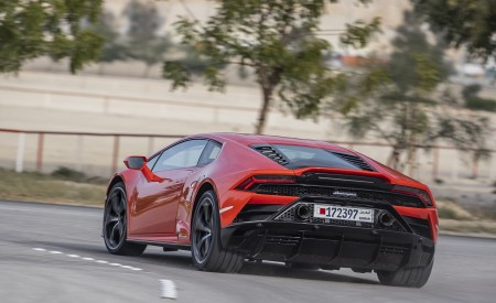 2019 Lamborghini Huracán EVO Rear Three-Quarter Wallpapers 450x275 (38)
