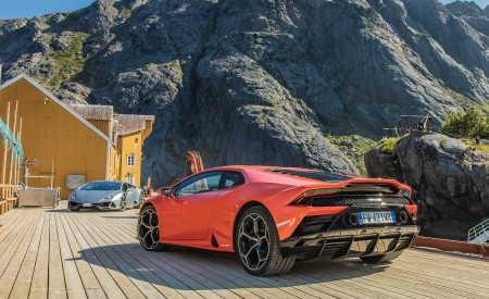 2019 Lamborghini Huracán EVO Rear Three-Quarter Wallpapers 450x275 (25)