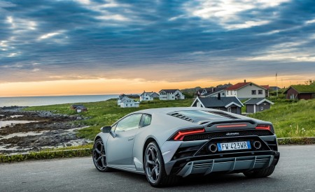 2019 Lamborghini Huracán EVO Rear Three-Quarter Wallpapers 450x275 (14)
