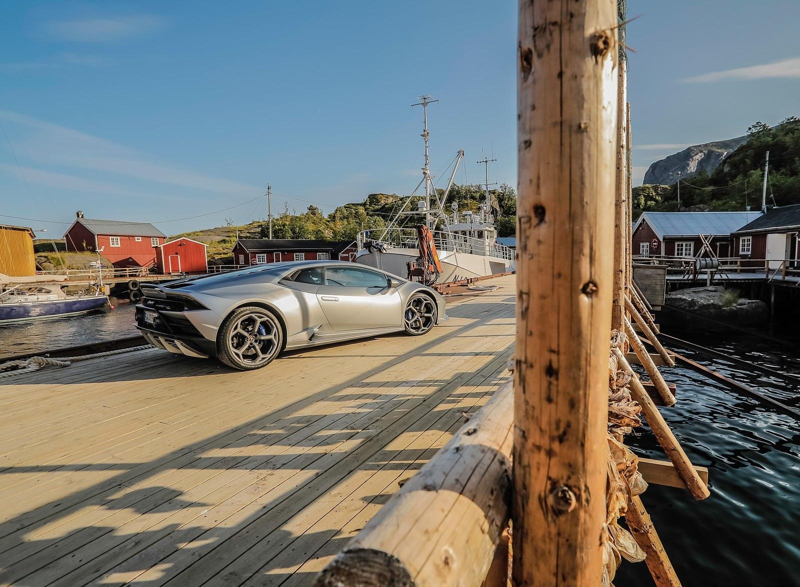 2019 Lamborghini Huracán EVO Rear Three-Quarter Wallpapers (11)