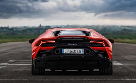2019 Lamborghini Huracán EVO Rear Wallpapers 450x275 (86)