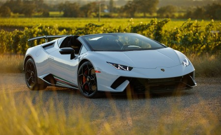 2019 Lamborghini Huracán Performante Spyder Front Three-Quarter Wallpapers 450x275 (48)