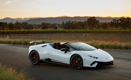 2019 Lamborghini Huracán Performante Spyder Front Three-Quarter Wallpapers 450x275 (38)
