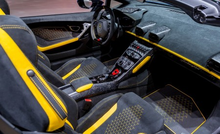 2019 Lamborghini Huracán Performante Spyder Interior Detail Wallpapers 450x275 (96)