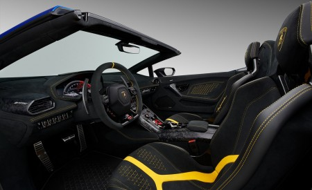2019 Lamborghini Huracán Performante Spyder Interior Detail Wallpapers 450x275 (54)