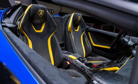 2019 Lamborghini Huracán Performante Spyder Interior Front Seats Wallpapers 450x275 (53)