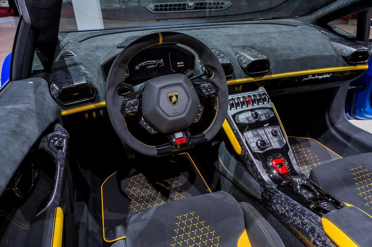 2019 Lamborghini Huracan Performante Spyder Interior Steering Wheel
