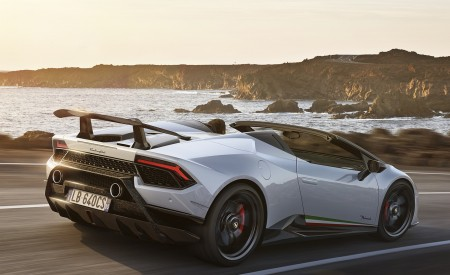 2019 Lamborghini Huracán Performante Spyder Rear Three-Quarter Wallpapers 450x275 (63)