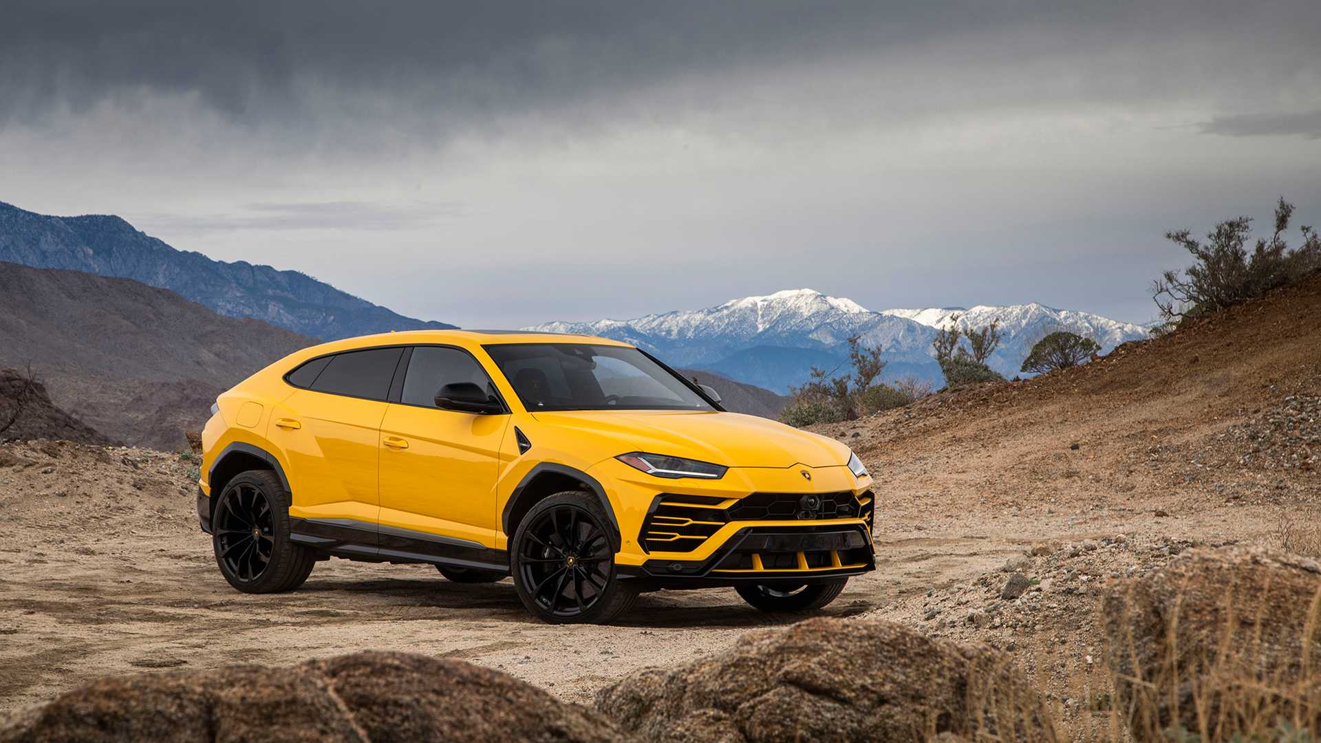 2019 Lamborghini Urus Front Three-Quarter Wallpaper (13)