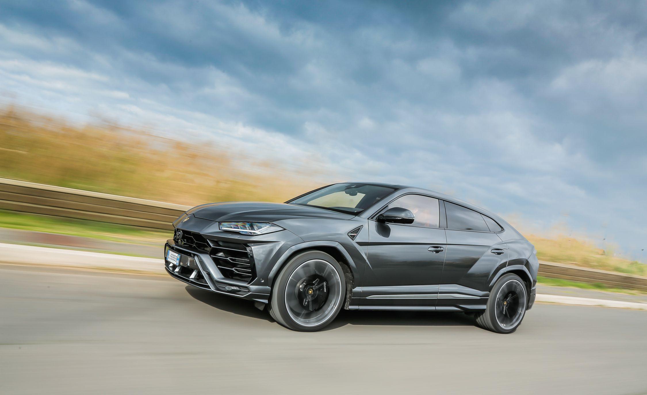 2019 Lamborghini Urus Front Three-Quarter Wallpaper (9)