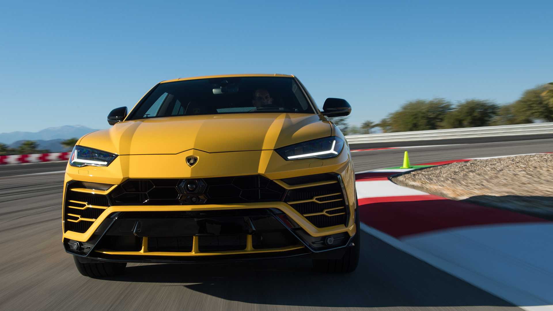 2019 Lamborghini Urus Front Wallpapers (3)