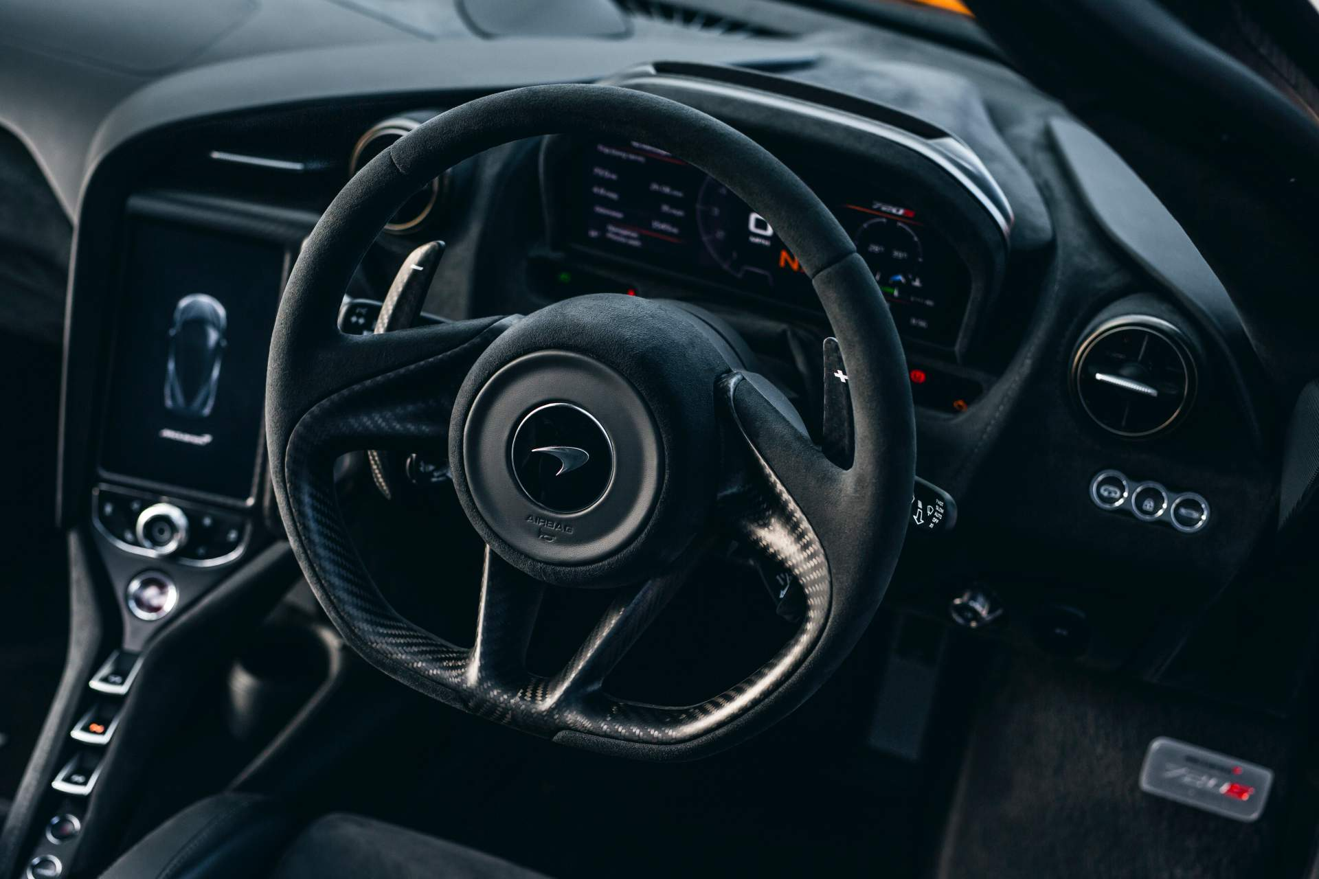 2019 McLaren 720S Track Pack Interior Steering Wheel Wallpaper (9)