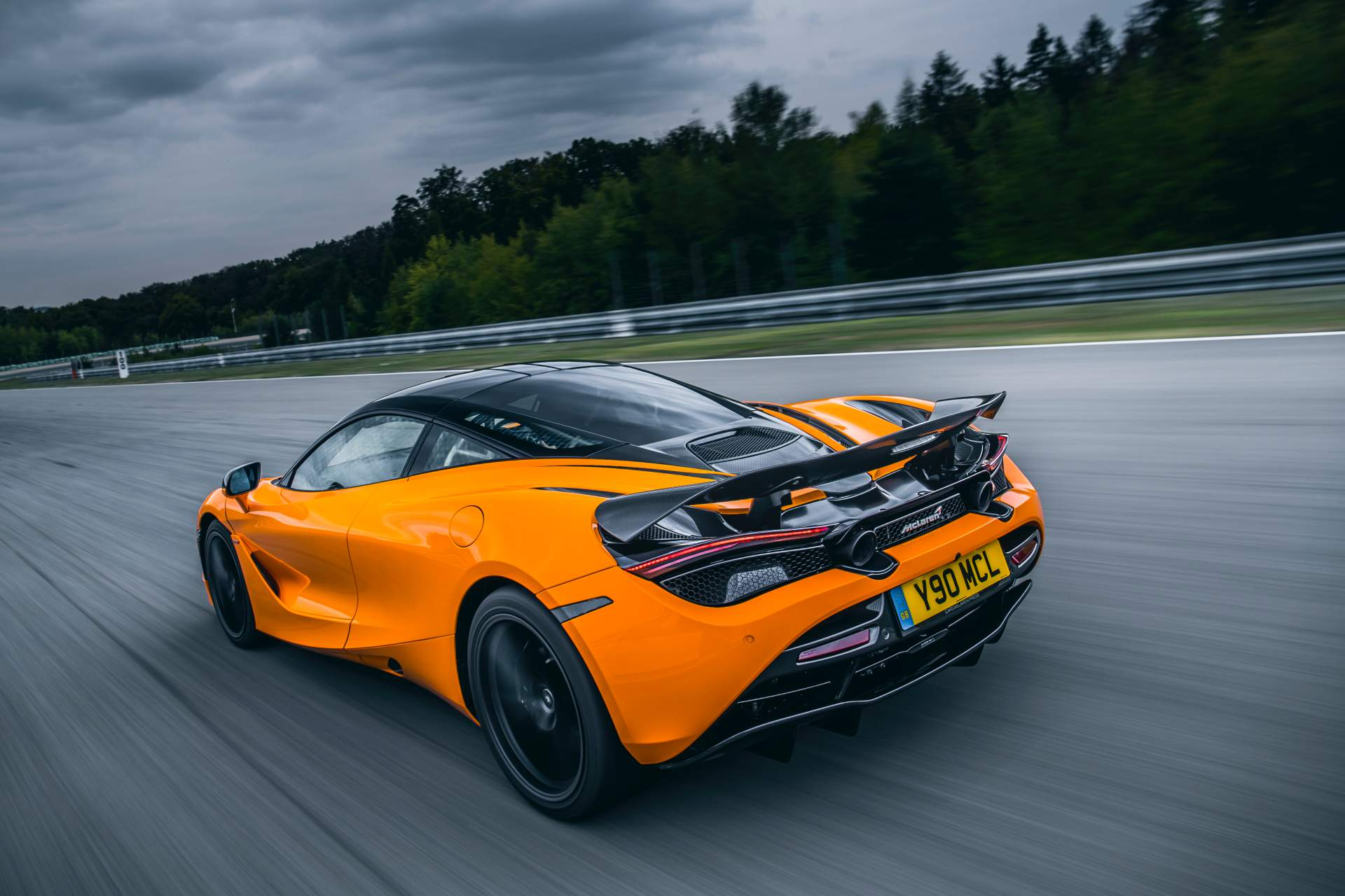 2019 McLaren 720S Track Pack Rear Three-Quarter Wallpaper (4)