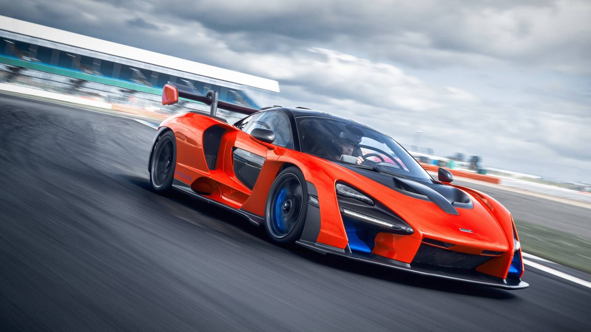 2019 McLaren Senna Color Delta Red Front Three Quarter Wallpaper 23