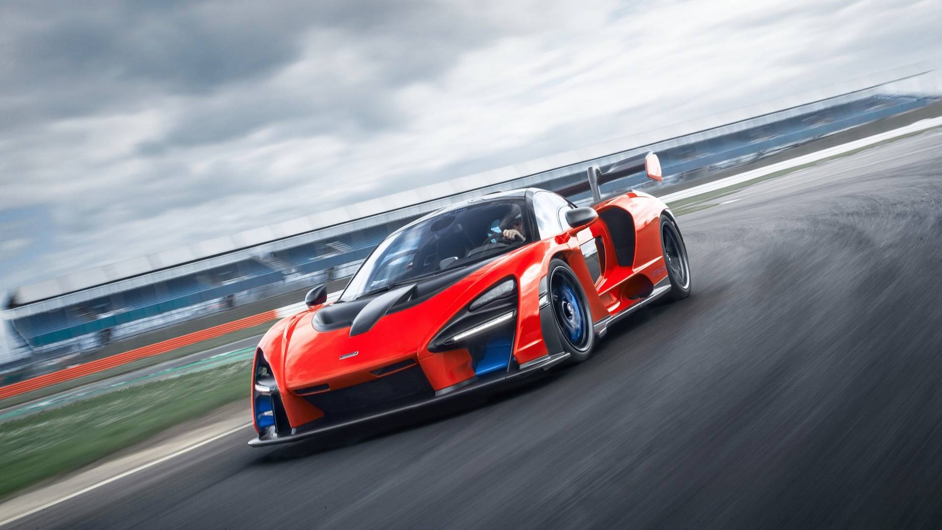 2019 McLaren Senna (Color: Delta Red) Front Three-Quarter Wallpapers (2)