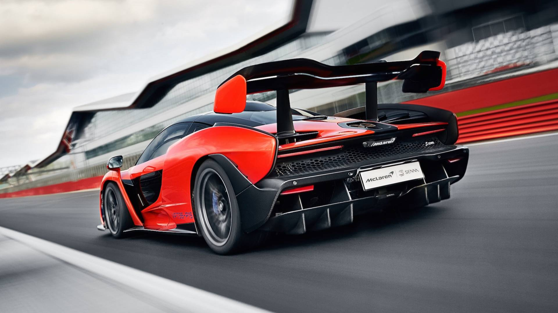 2019 McLaren Senna (Color: Delta Red) Rear Three-Quarter Wallpapers (5)