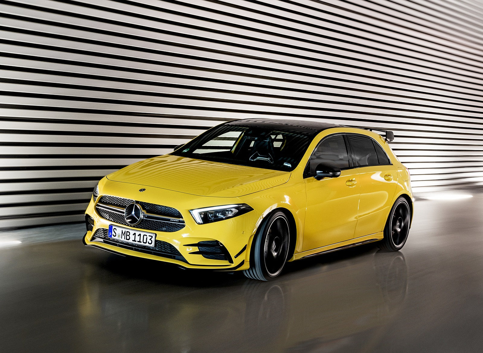 2019 Mercedes-AMG A35 4MATIC (Color: Sun Yellow) Front Three Quarter Wallpapers (12)