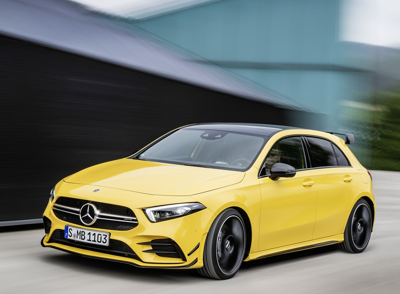 2019 Mercedes-AMG A35 4MATIC (Color: Sun Yellow) Front Three Quarter Wallpapers (3)