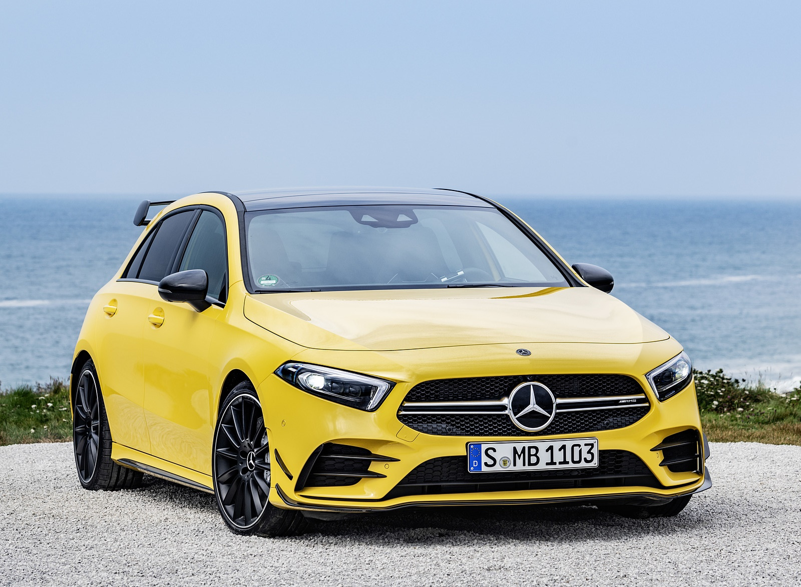 2019 Mercedes-AMG A35 4MATIC (Color: Sun Yellow) Front Wallpapers (14)