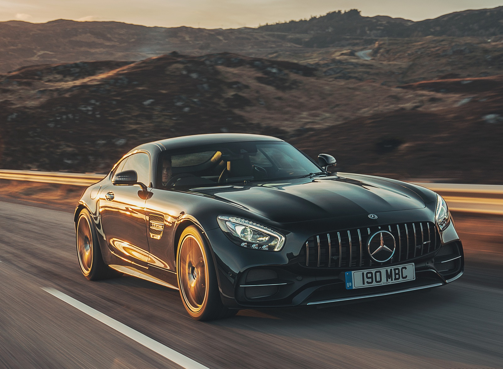 2019 Mercedes-AMG GT C Coupe Front Three-Quarter Wallpaper (3)