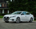2019 Nissan Altima Front Three-Quarter Wallpapers 150x120 (23)
