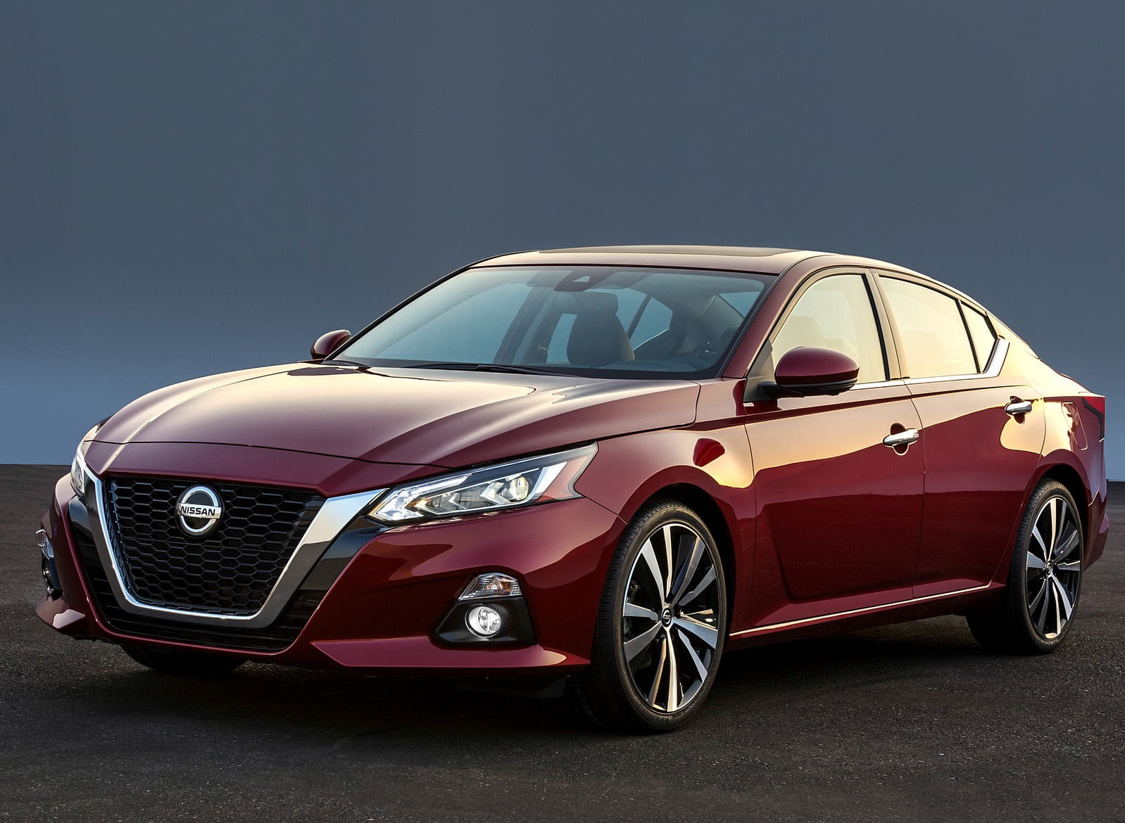 2019 Nissan Altima Front Three-Quarter Wallpapers (1)
