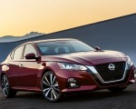 2019 Nissan Altima Front Three-Quarter Wallpapers 150x120 (3)