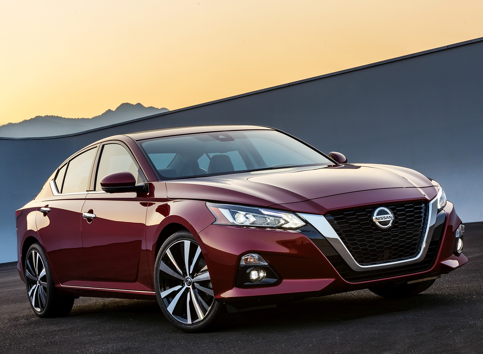 2019 Nissan Altima Front Three-Quarter Wallpapers (3)