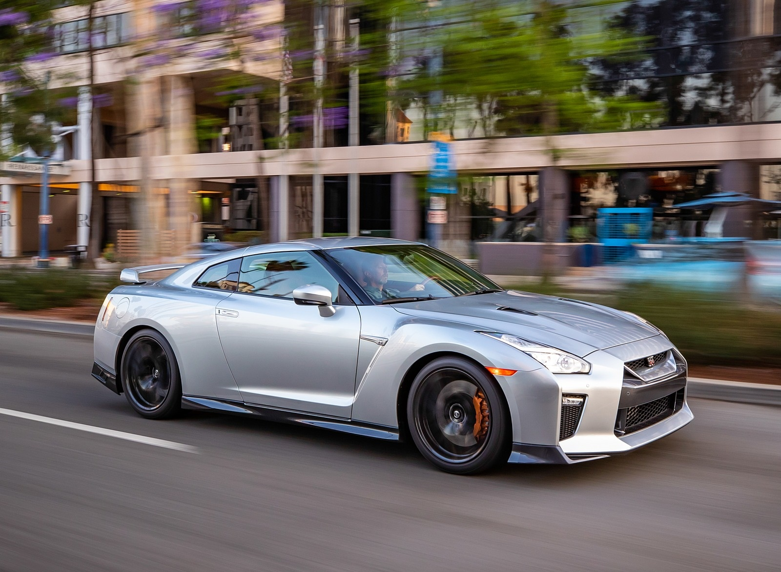 2019 Nissan GT-R Front Three-Quarter Wallpapers (2)
