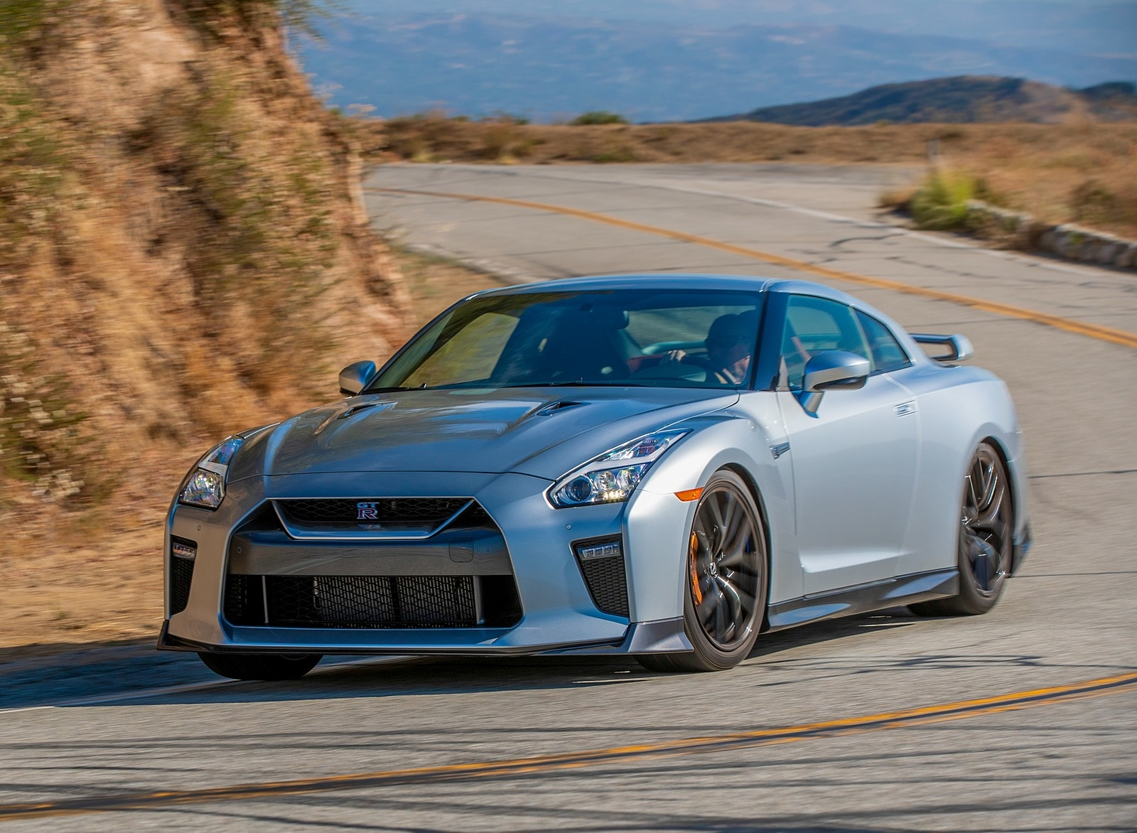 2019 Nissan GT-R Front Three-Quarter Wallpapers (5)