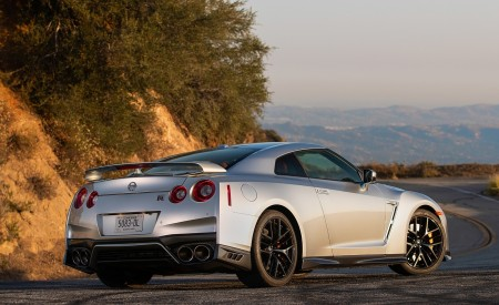 2019 Nissan GT-R Rear Three-Quarter Wallpapers 450x275 (8)