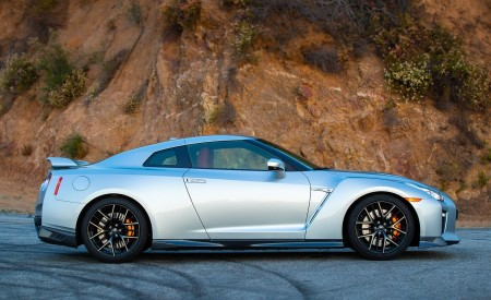 2019 Nissan GT-R Side Wallpapers 450x275 (6)