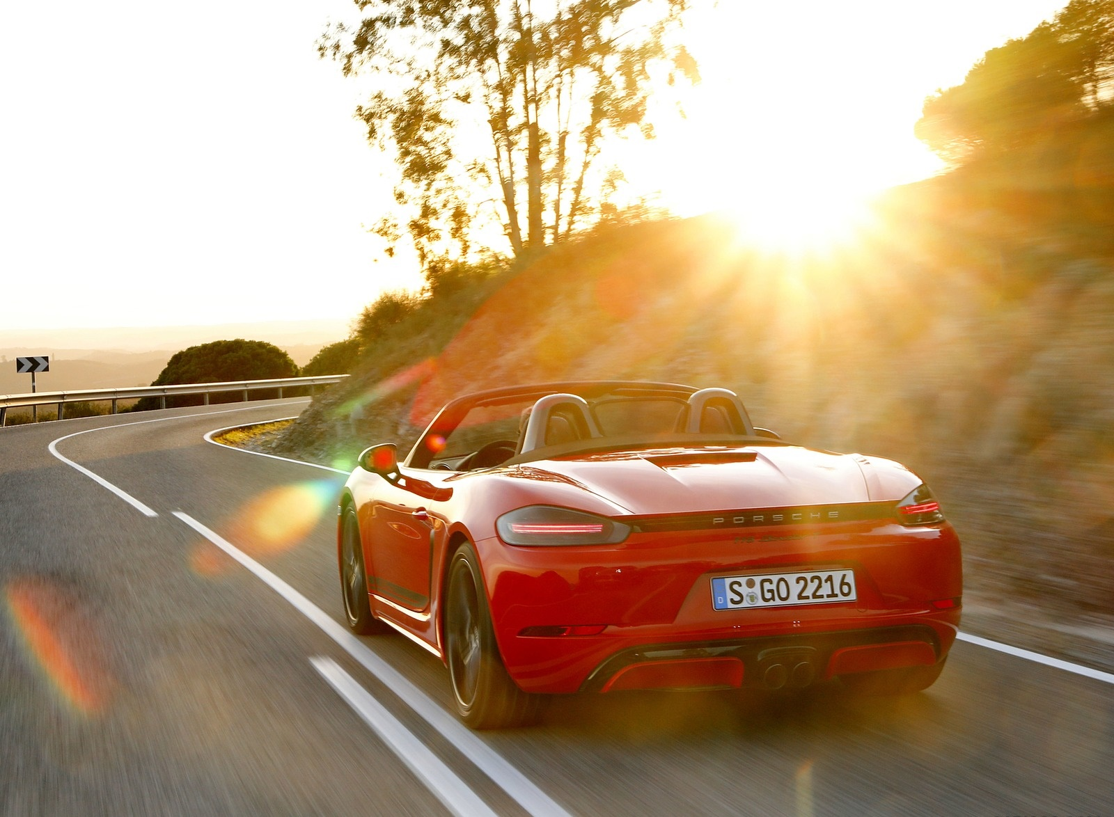 2019 Porsche 718 Boxster T (Color: Guards Red) Rear Wallpapers (7)
