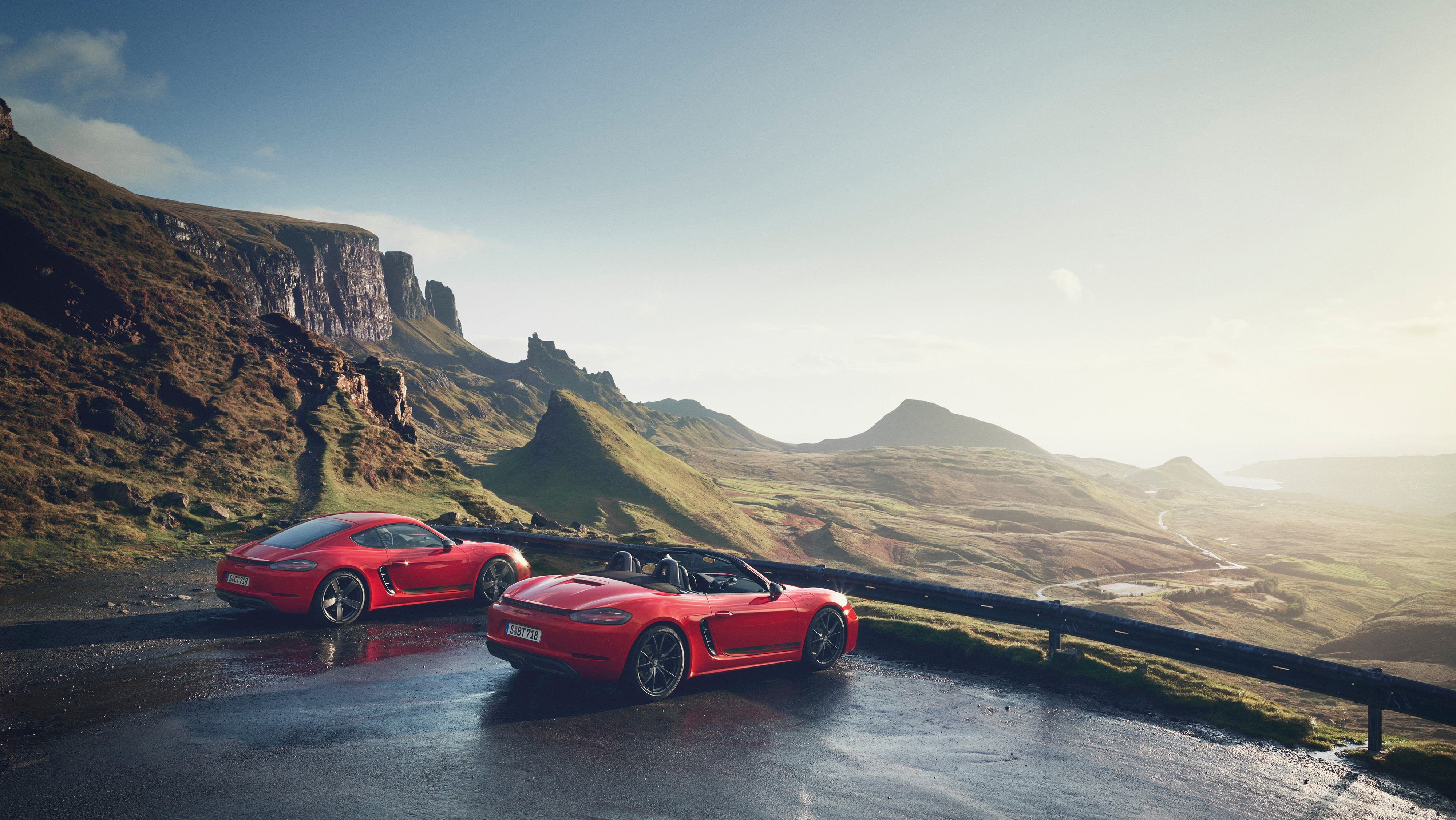 2019 Porsche 718 Boxster and Cayman T Side Wallpaper (11)