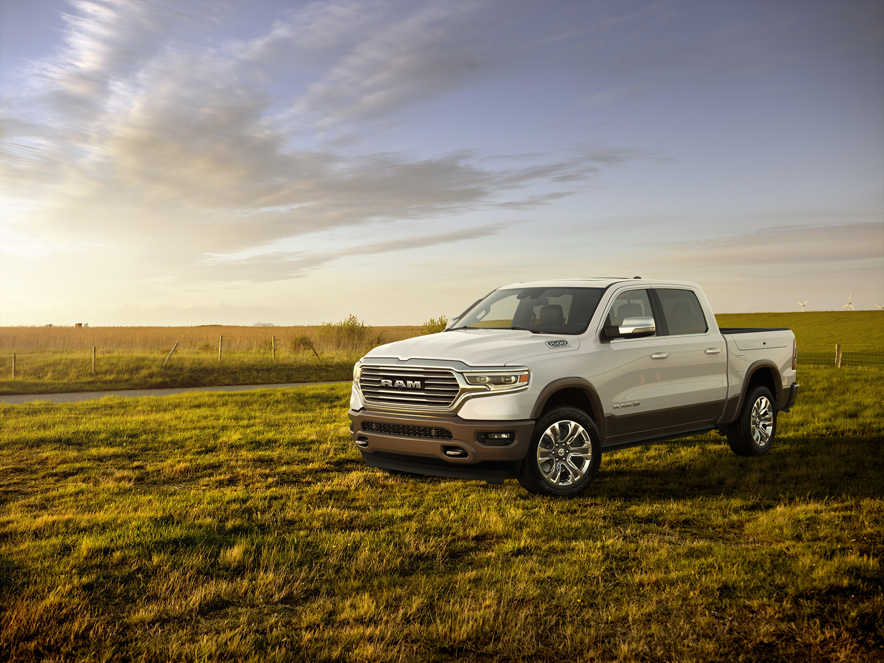 2019 Ram 1500 Laramie Longhorn Edition Front Three-Quarter Wallpapers #10 of 29