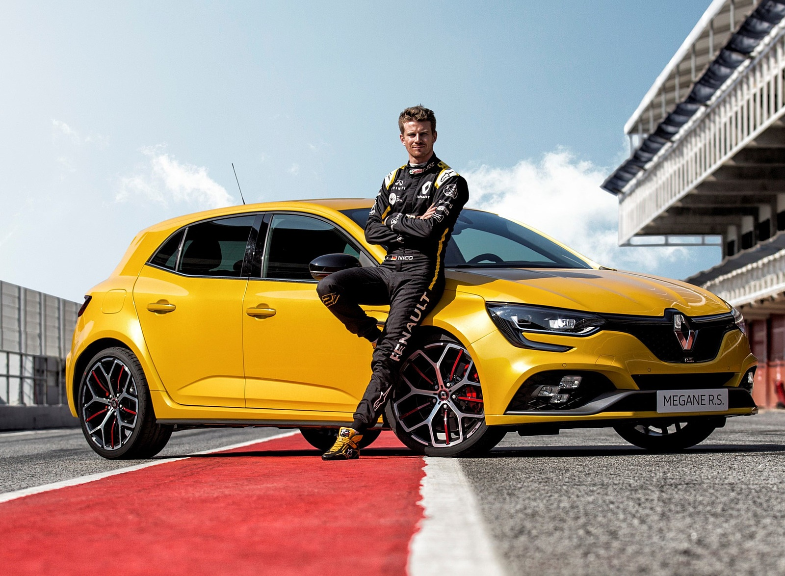 2019 Renault Megane R.S. Trophy Front Three-Quarter Wallpapers (7)