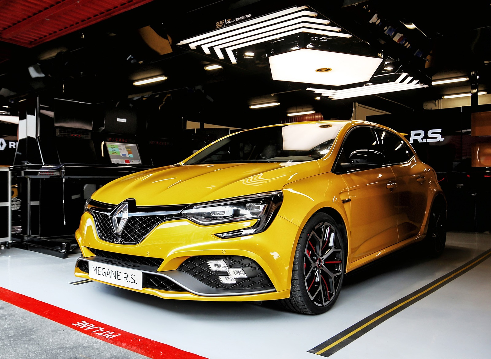 2019 Renault Megane R.S. Trophy Front Three-Quarter Wallpapers (14)