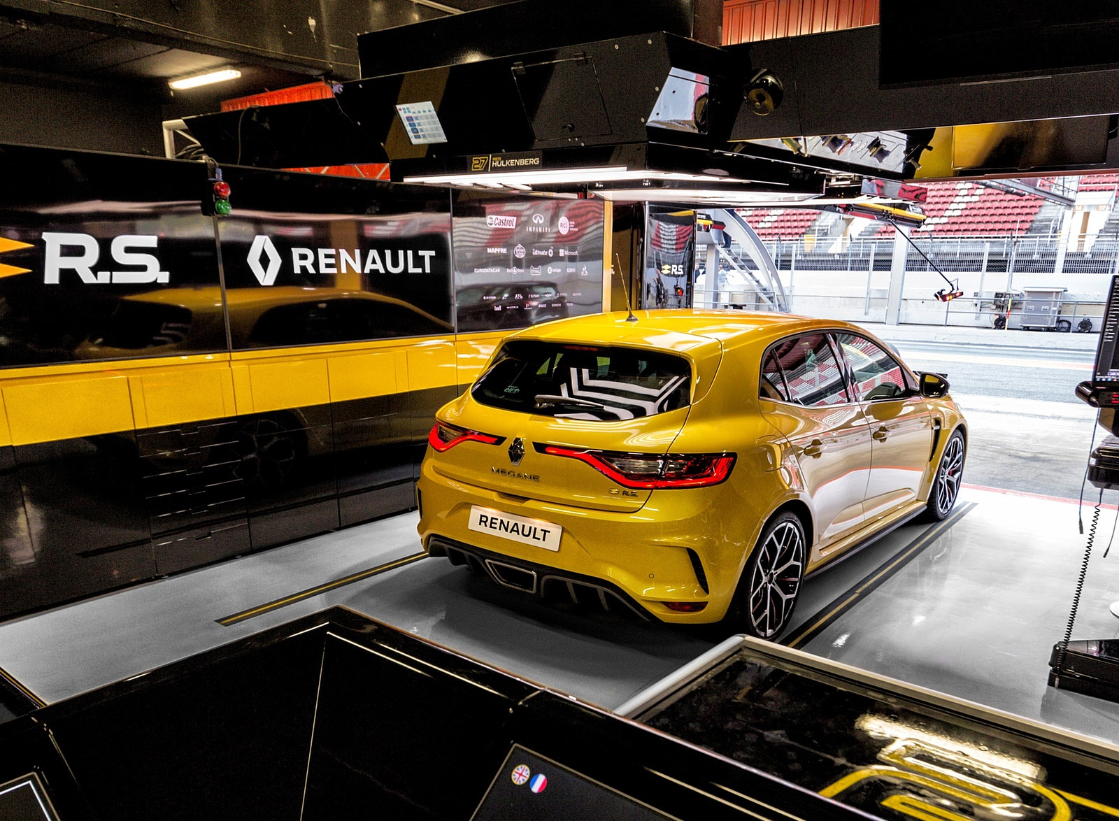 2019 Renault Megane R.S. Trophy Rear Three-Quarter Wallpapers (12)