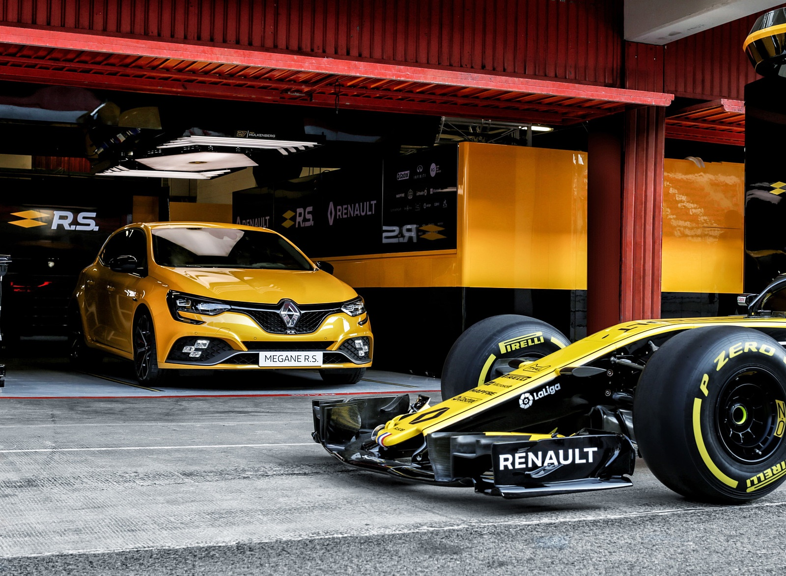 2019 Renault Megane R.S. Trophy and Renault R.S. 18 Single Seater Front Wallpapers (8)