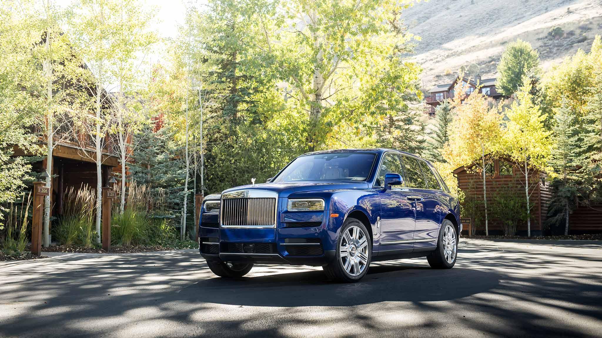2019 Rolls-Royce Cullinan (Color: Salamanca Blue) Front Three-Quarter Wallpapers (8)