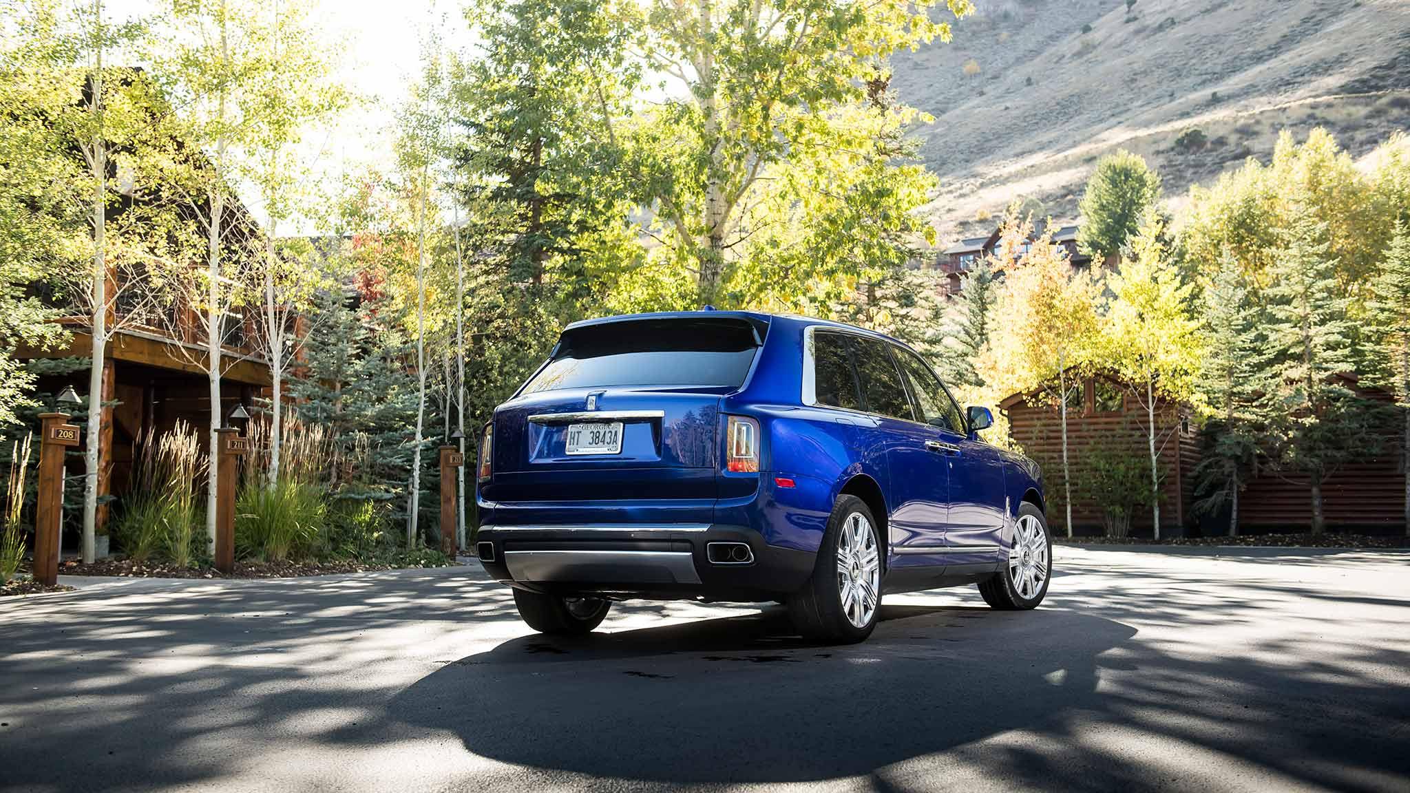 2019 Rolls-Royce Cullinan (Color: Salamanca Blue) Rear Three-Quarter Wallpapers (15)