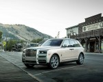2019 Rolls-Royce Cullinan (Color: White Sands) Front Three-Quarter Wallpapers 150x120 (48)