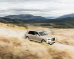 2019 Rolls-Royce Cullinan (Color: White Sands) Front Three-Quarter Wallpapers 150x120 (47)