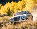 2019 Rolls-Royce Cullinan (Color: White Sands) Front Three-Quarter Wallpapers 150x120 (36)
