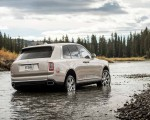 2019 Rolls-Royce Cullinan (Color: White Sands) Rear Three-Quarter Wallpapers 150x120 (40)