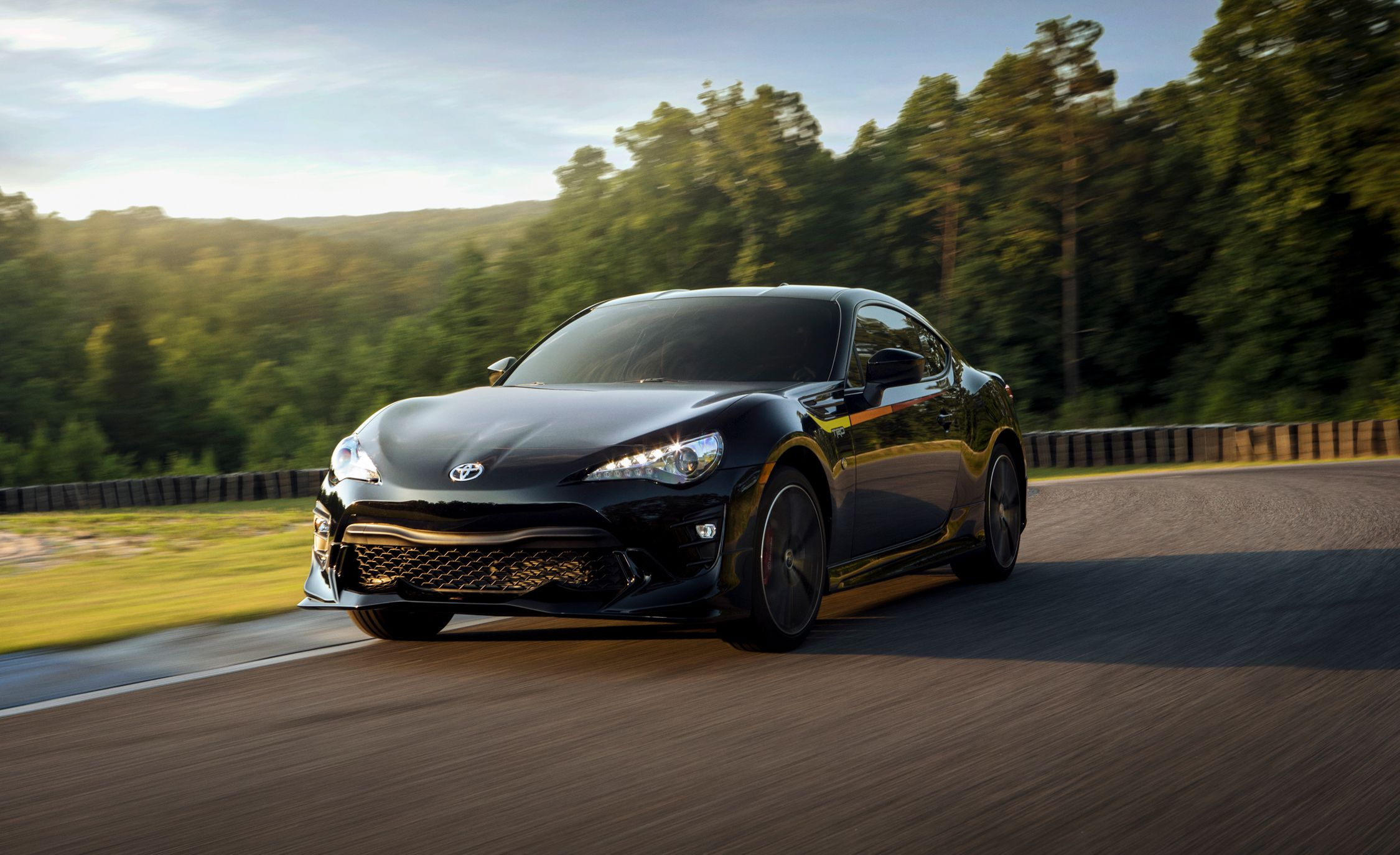 2019 Toyota 86 TRD Special Edition Front Three-Quarter Wallpaper (1)