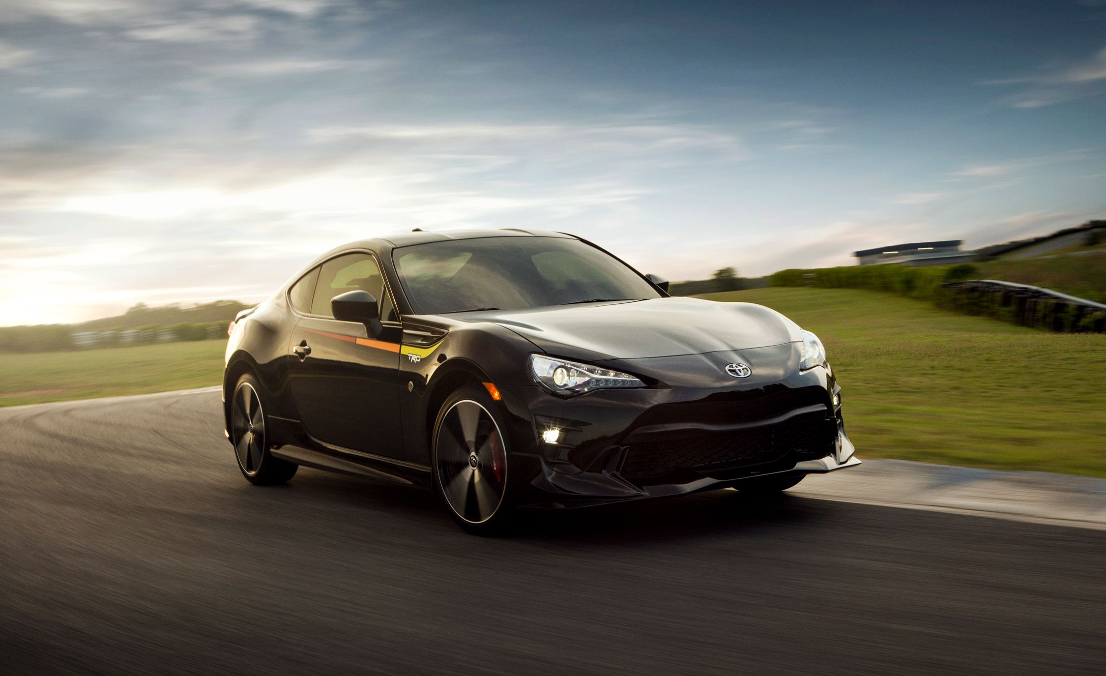 2019 Toyota 86 TRD Special Edition Front Three-Quarter Wallpaper (2)